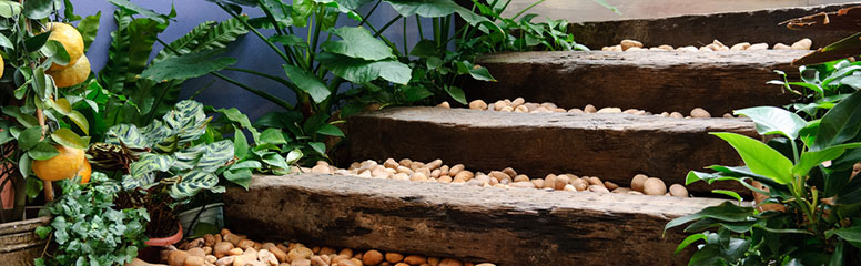 Using railway sleepers for your garden steps means you have an interesting material for the edging, don't need to shape or cut other timber, ...