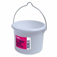 Lawsons 1 litre plastic paint kettle is an ideal item to add to your list of decorating requirements. An ideal size for those smaller painting jobs.