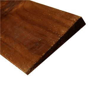 100 x 1350mm Brown Featheredge Boards are used in the construction of closeboard fencing and in conjunction with arris rails, back rails and fence posts. If used with our brown morticed timber posts a seamless look can be achieved if viewed from the boarded side.