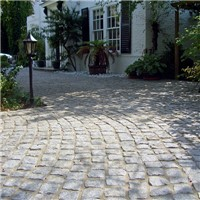 Cropped Granite Setts